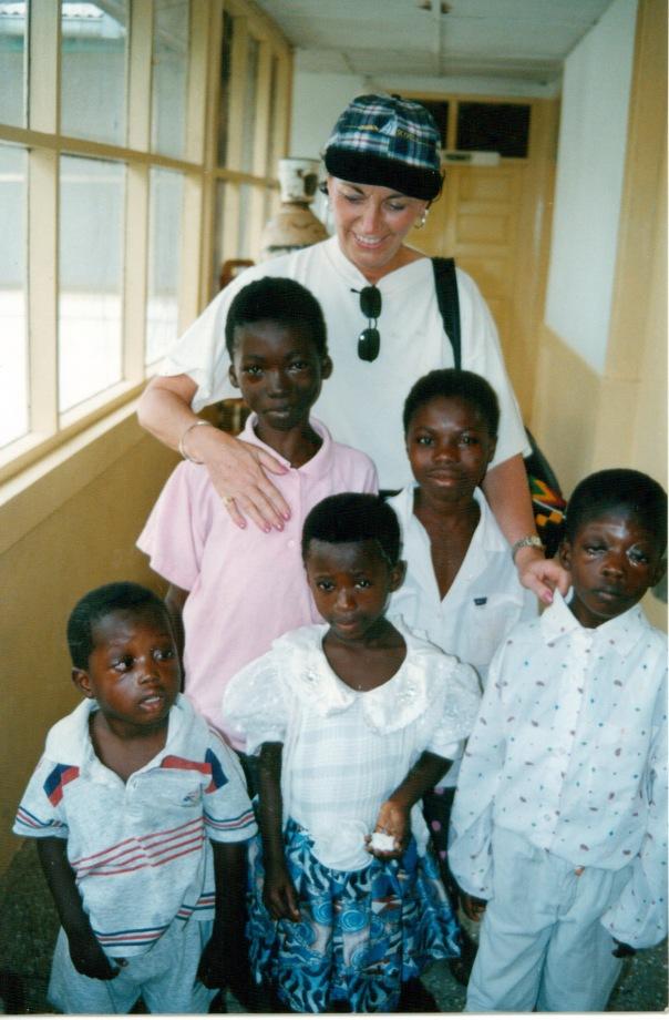 linda_with_kids